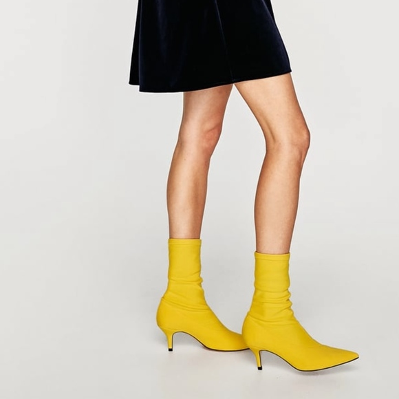 b4187886a377 NWT Zara Yellow Fabric High Heel Ankle Boots